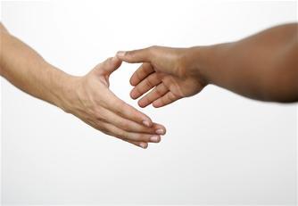 in Kontakt treten - zwei Hände
